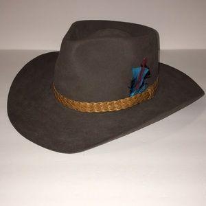Vintage Akubra Snowy River Hat